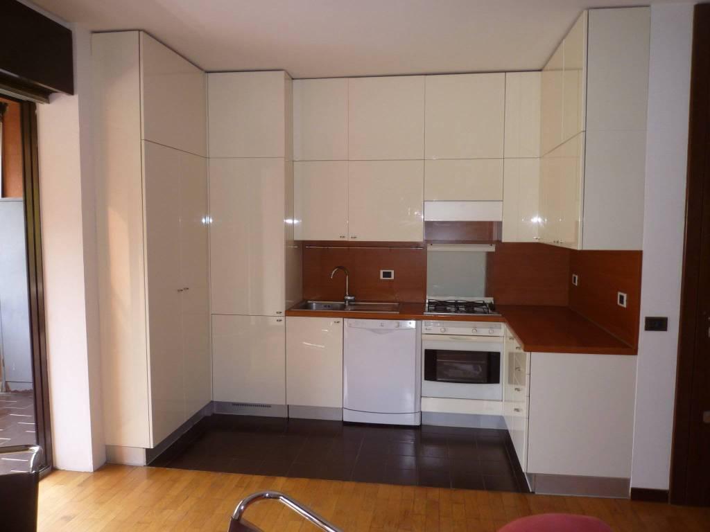 Appartamento in vendita a Basiglio, 2 locali, prezzo € 155.000   CambioCasa.it
