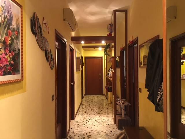 Appartamento in Vendita a Piacenza: 4 locali, 130 mq