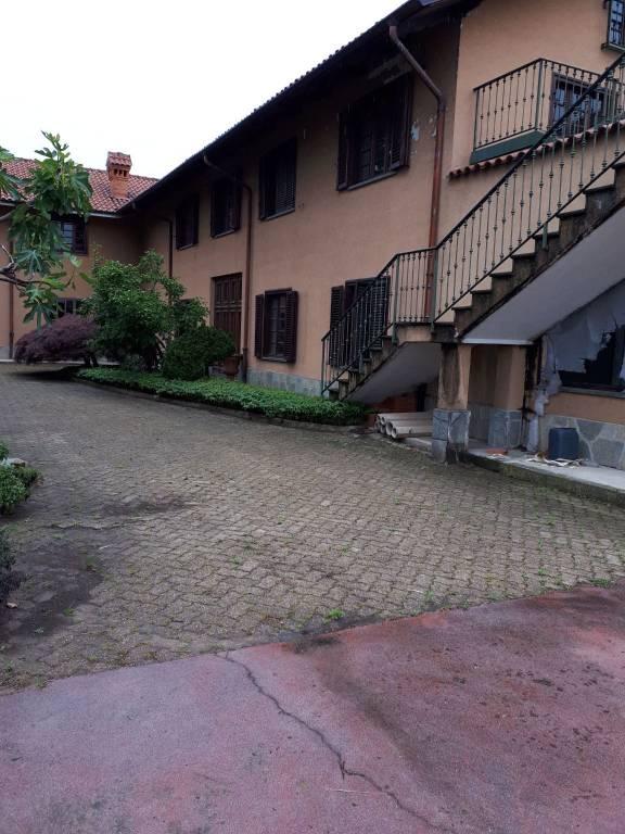 Negozio / Locale in affitto a Orbassano, 6 locali, prezzo € 2.000 | CambioCasa.it