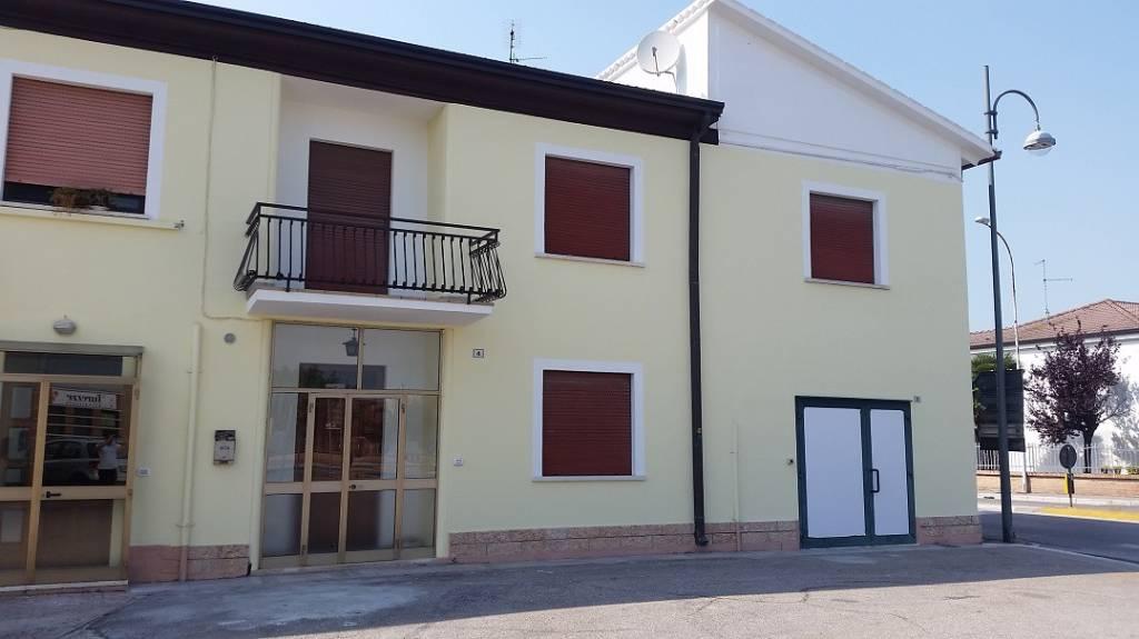 Appartamento in affitto a Bovolone, 5 locali, prezzo € 600 | CambioCasa.it