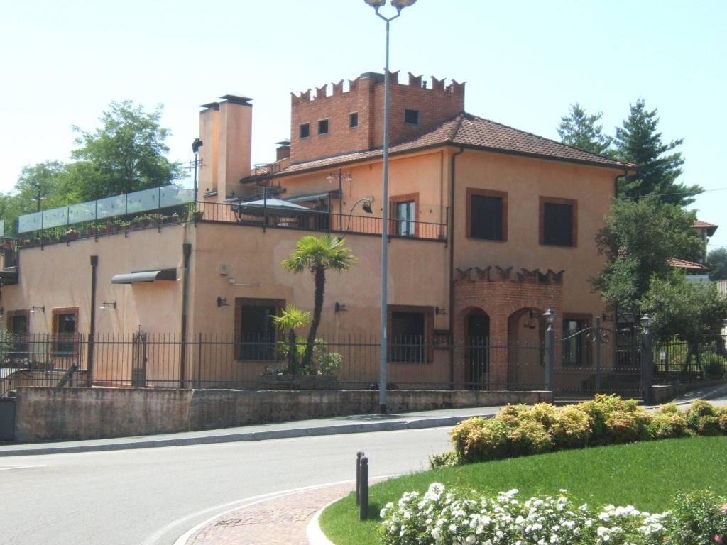 Negozio / Locale in vendita a Biandronno, 6 locali, Trattative riservate | CambioCasa.it