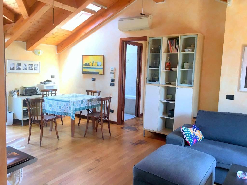 Appartamento in vendita a Cernusco sul Naviglio, 3 locali, prezzo € 239.000 | CambioCasa.it