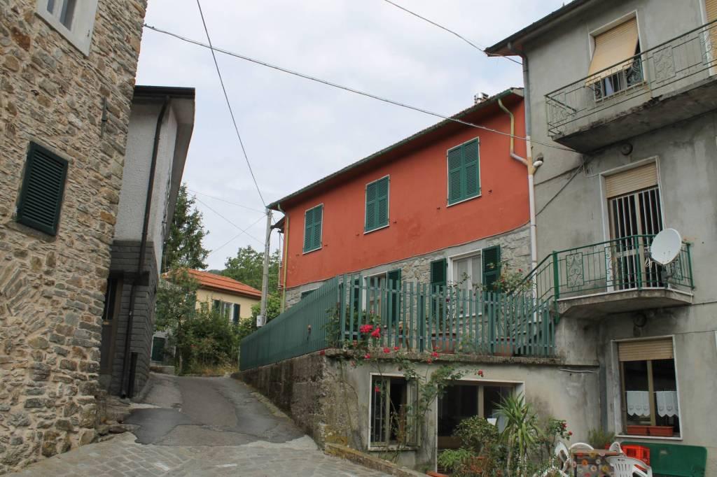 Appartamento in vendita a Zeri, 5 locali, prezzo € 55.000 | PortaleAgenzieImmobiliari.it