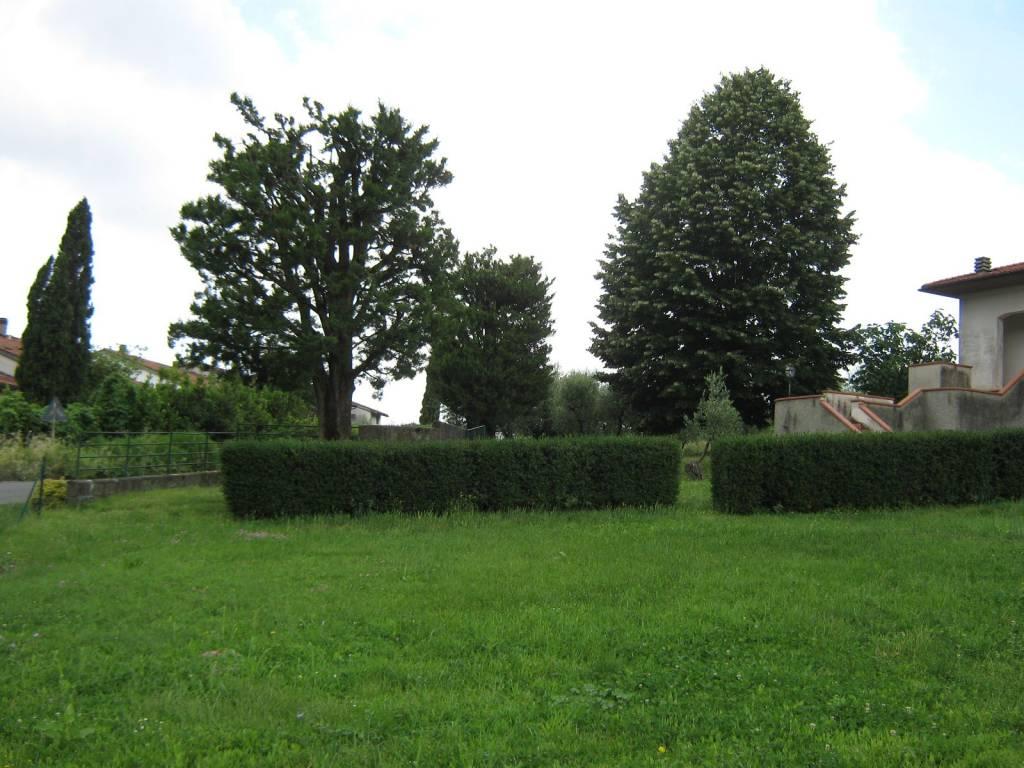 Villa in Vendita a Pistoia Periferia Nord: 5 locali, 400 mq