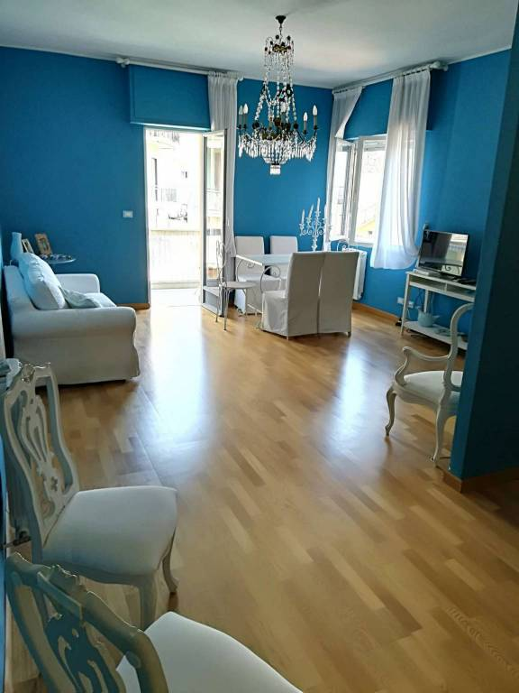 Appartamento in vendita a Noli, 4 locali, prezzo € 380.000 | CambioCasa.it