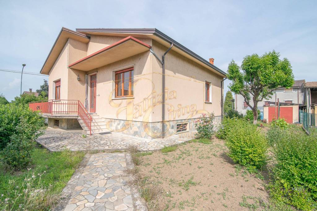 Villa in Vendita a Gazzola Centro: 4 locali, 143 mq