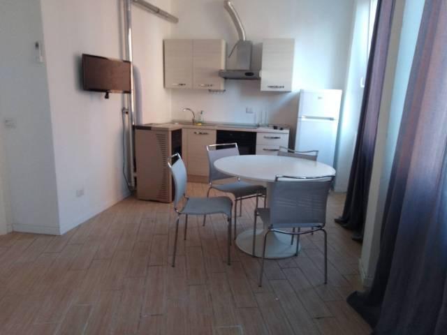 Appartamento in ottime condizioni arredato in affitto Rif. 7015749
