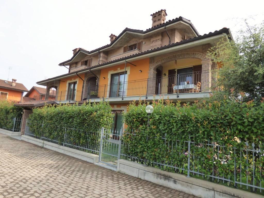 Cuneo, Mad. Grazie, alloggio pari nuovo con box via Castelletto Stura