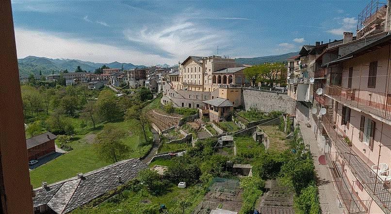 Foto 1 di Appartamento via Caraglio, Dronero