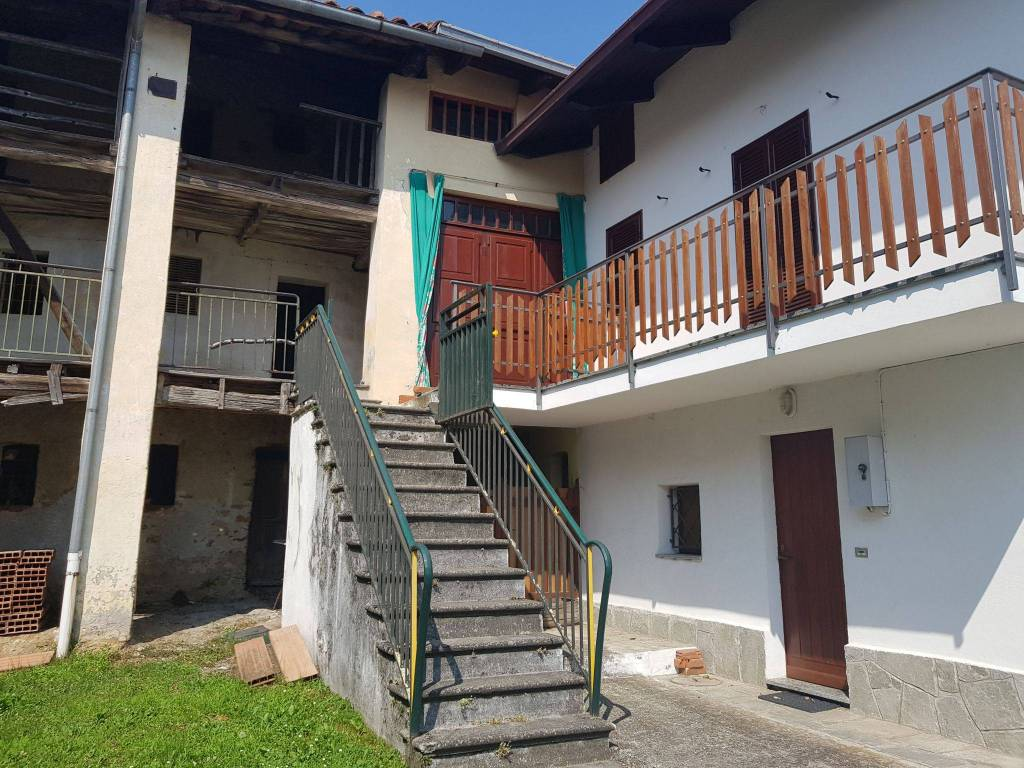 Foto 1 di Trilocale strada Provinciale di Villa Castelnuovo, frazione Trucco Flip, Castelnuovo Nigra
