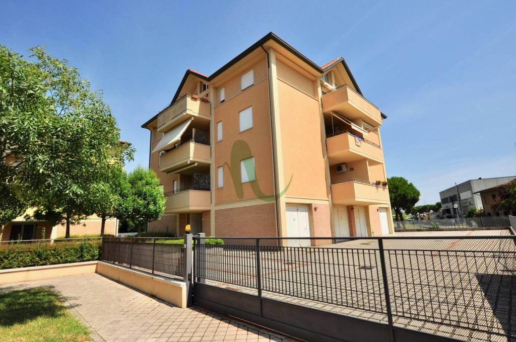 Appartamento in Vendita a Cesenatico Centro: 3 locali, 90 mq