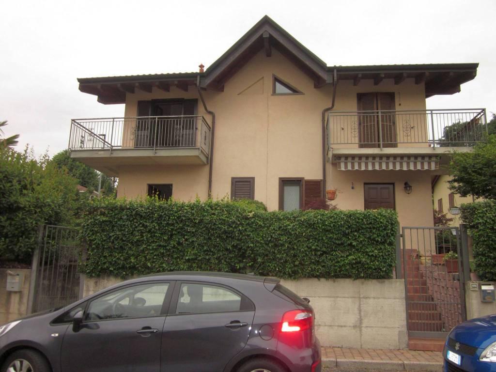 Villa in vendita a Arcisate, 3 locali, prezzo € 230.000 | CambioCasa.it