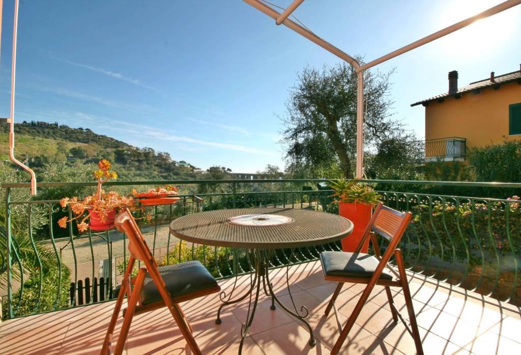 Appartamento in ottime condizioni arredato in vendita Rif. 9156529