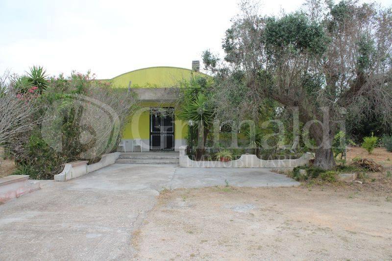Villa in Vendita a Tuglie Periferia: 3 locali, 107 mq