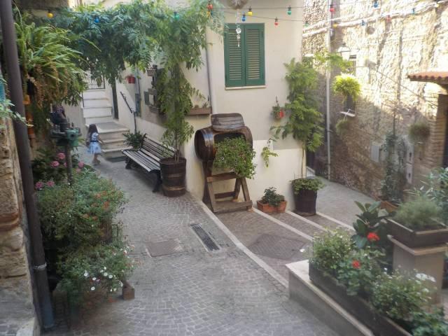 Appartamento monolocale in vendita a Scandriglia (RI)