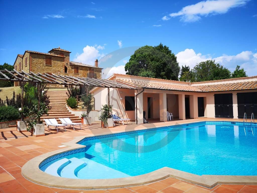 Rustico / Casale in buone condizioni in vendita Rif. 8001898