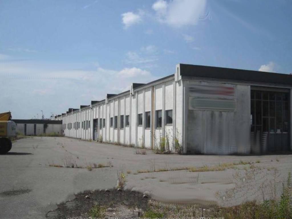 Capannone in vendita a Romano Canavese, 4 locali, prezzo € 215.000 | PortaleAgenzieImmobiliari.it