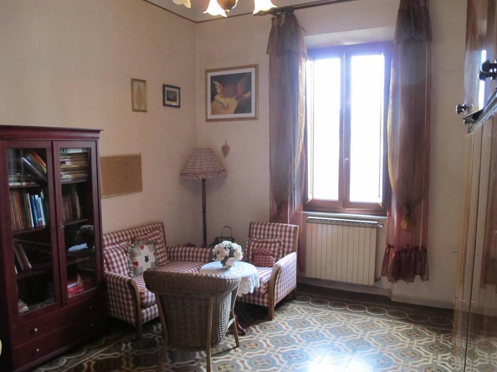 Appartamento in Vendita a Pistoia Centro: 5 locali, 141 mq