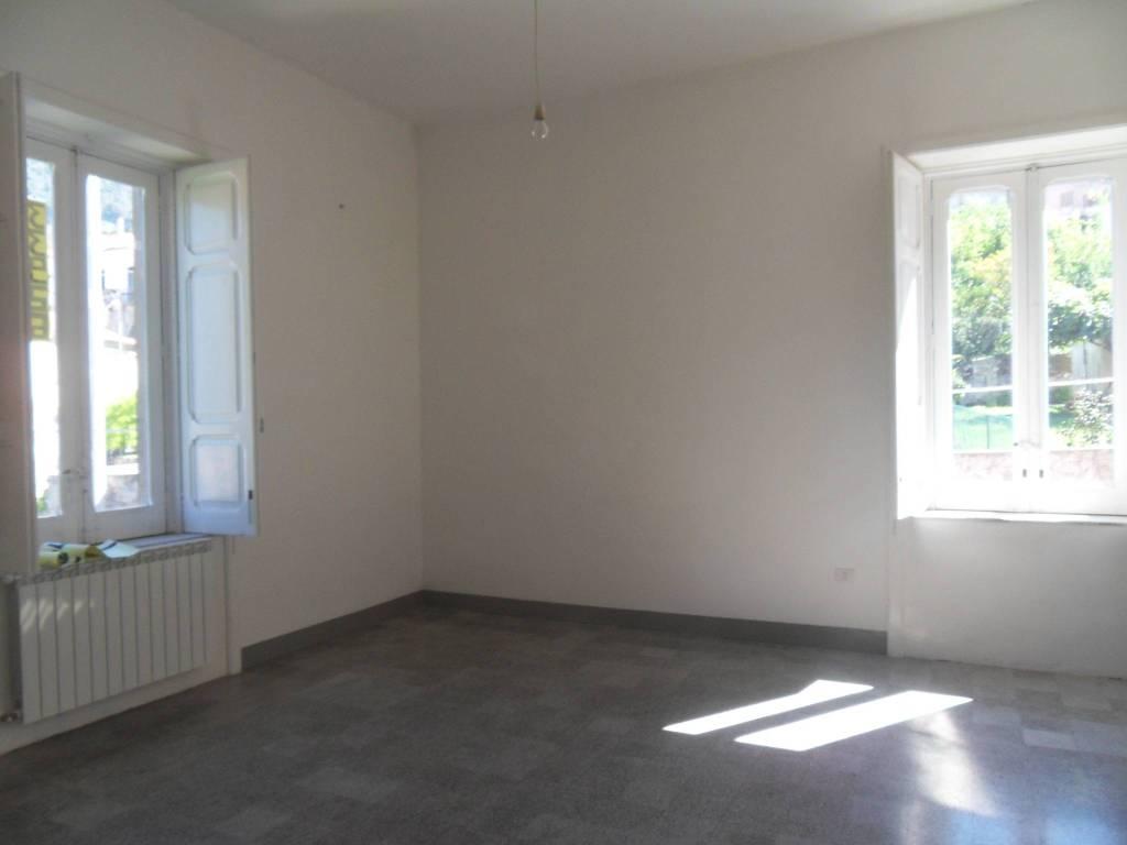 Appartamento in vendita a Maratea, 4 locali, prezzo € 165.000 | CambioCasa.it