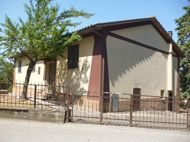 Casa indipendente in Vendita a Citta' Della Pieve Periferia:  4 locali, 280 mq  - Foto 1