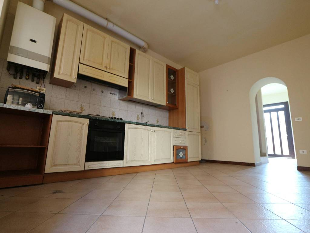 Appartamento in vendita a Cislago, 3 locali, prezzo € 89.000 | CambioCasa.it