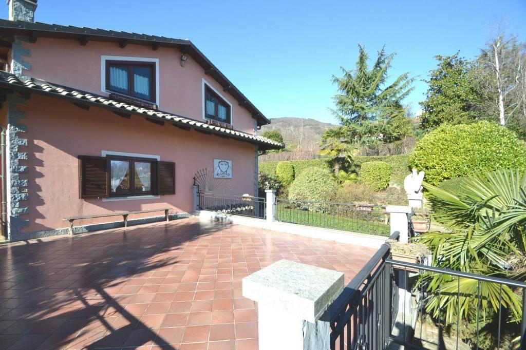Foto 1 di Villa via Francesco Petrarca 10, Pinerolo