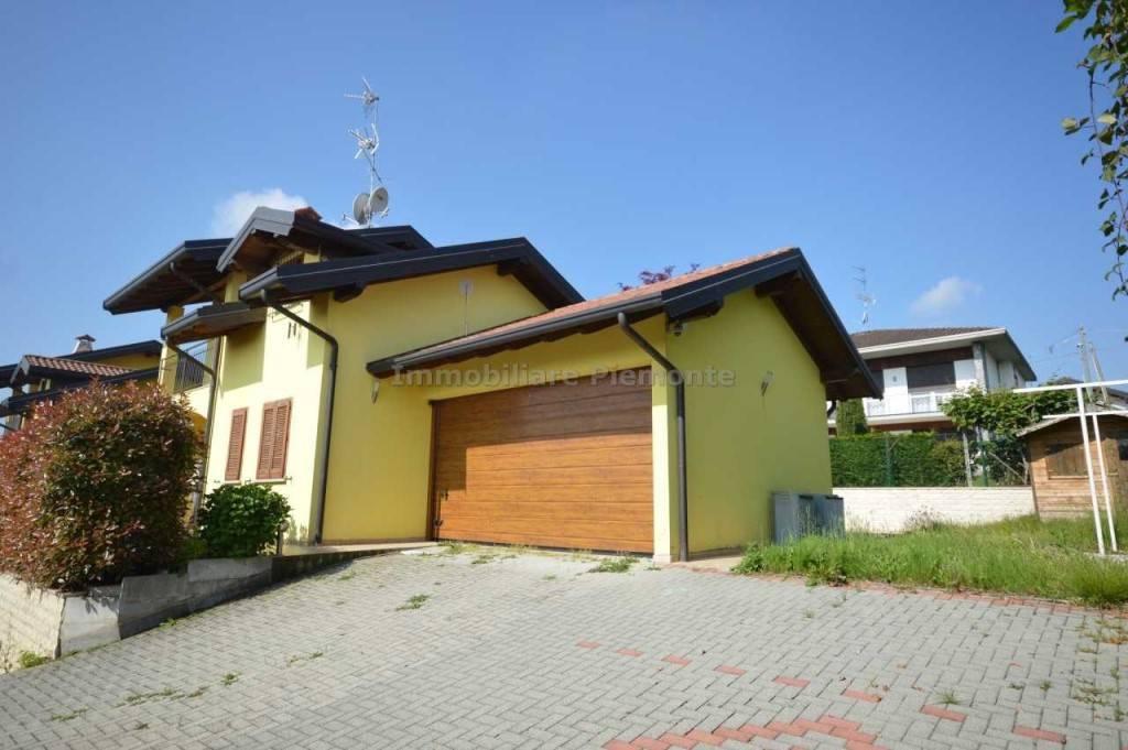 Villa in vendita a Agrate Conturbia, 5 locali, prezzo € 275.000 | PortaleAgenzieImmobiliari.it