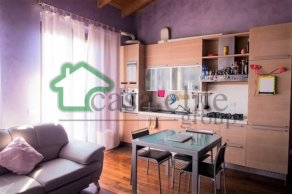 Appartamento in ottime condizioni parzialmente arredato in vendita Rif. 9192915