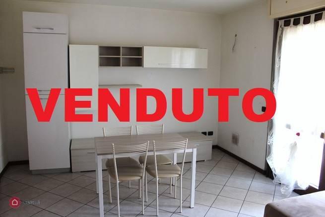 Appartamento in ottime condizioni in vendita Rif. 8354842