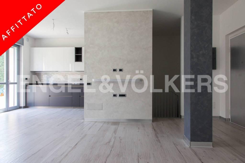 Appartamento parzialmente arredato in affitto Rif. 8737145