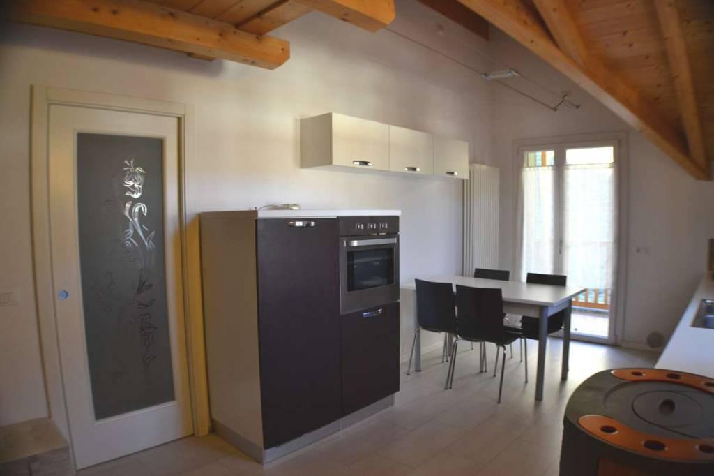 Attico in Affitto a Tione Di Trento Centro: 2 locali, 74 mq