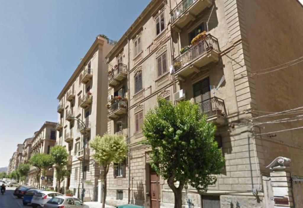 Ufficio-studio in Affitto a Palermo Centro: 4 locali, 100 mq