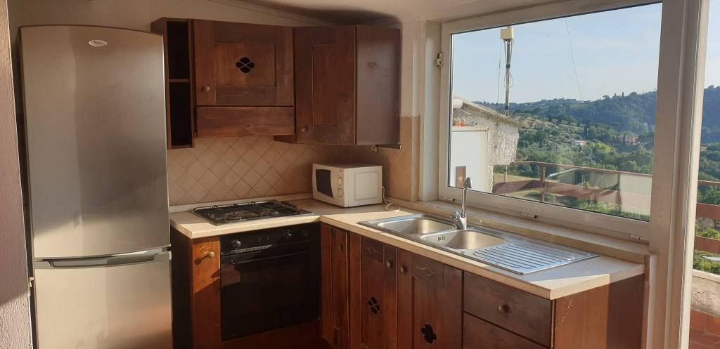 Castelnuovo Trilocale €550