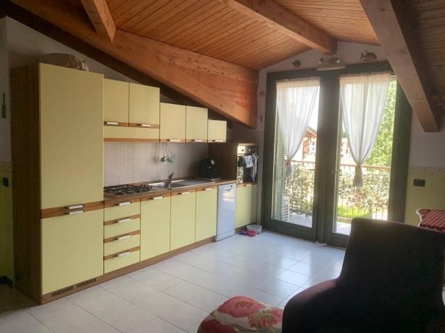Appartamento in buone condizioni in vendita Rif. 7186756