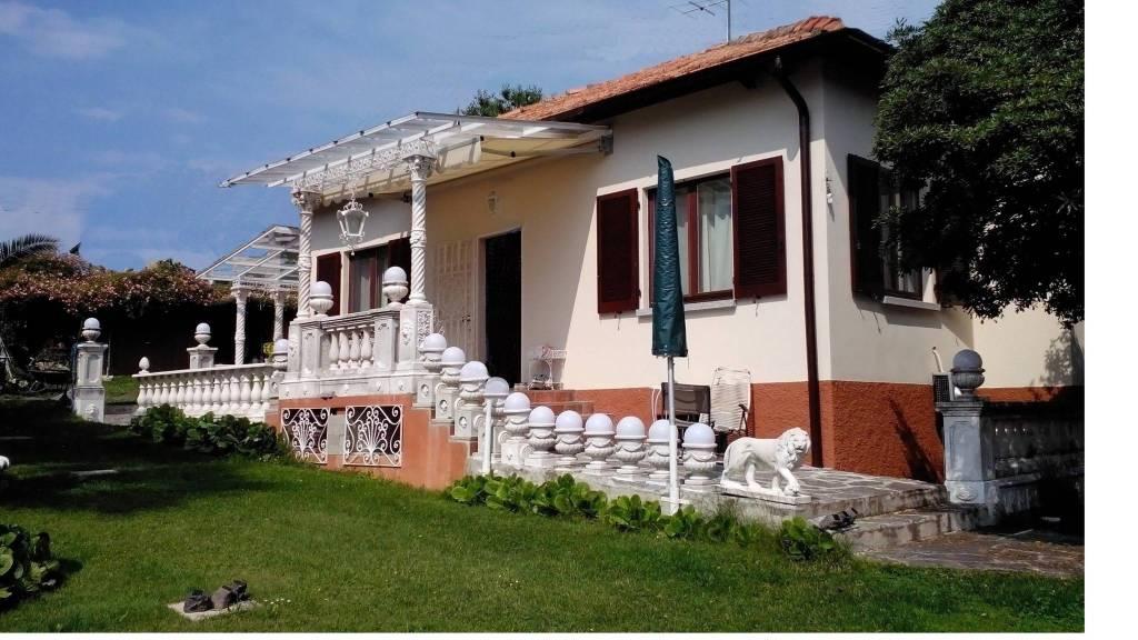 Villa in vendita a Bellagio, 4 locali, Trattative riservate | PortaleAgenzieImmobiliari.it