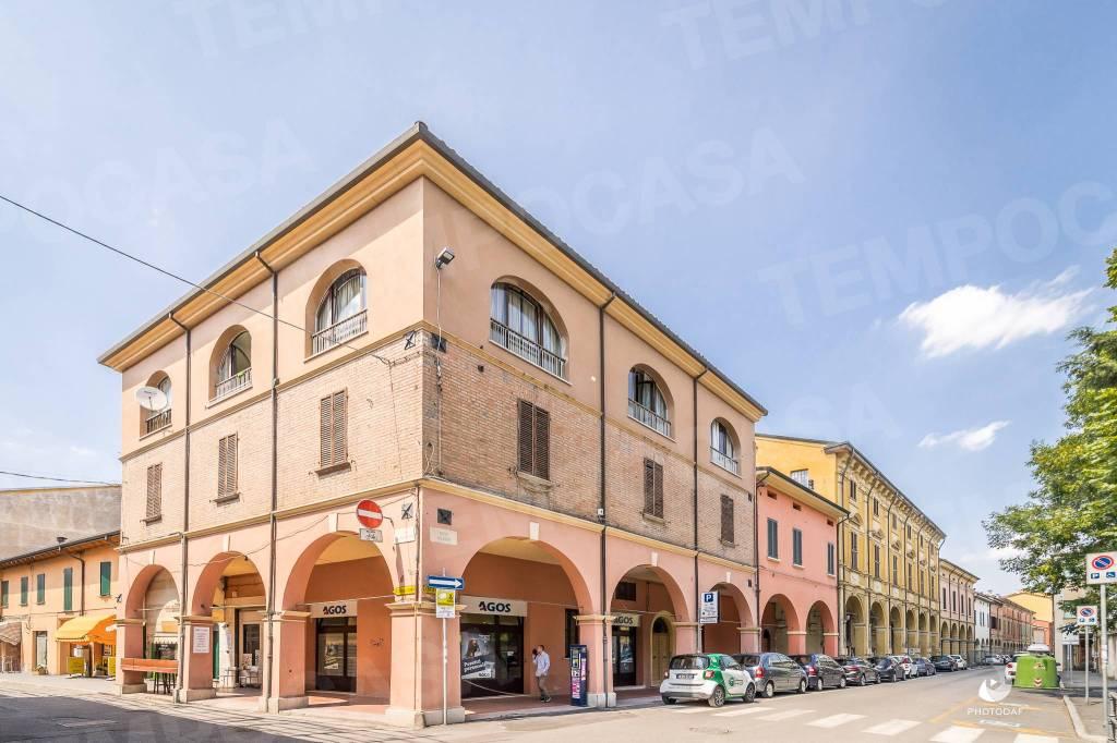 Foto 1 di Appartamento via Ugo Bassi 54, Cento