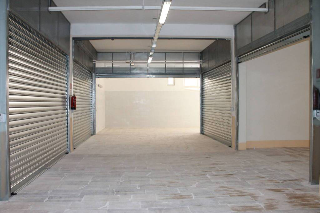 Box / Garage in vendita a Roma, 9999 locali, prezzo € 43.000   CambioCasa.it
