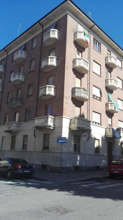 Foto 1 di Bilocale via Salbertrand 58, Torino (zona Parella, Pozzo Strada)