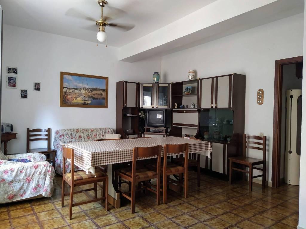 Appartamento in vendita a Balestrate, 3 locali, prezzo € 75.000 | CambioCasa.it