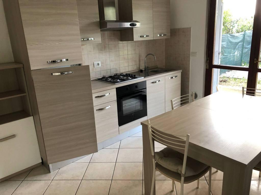 Appartamento in ottime condizioni arredato in affitto Rif. 4401399