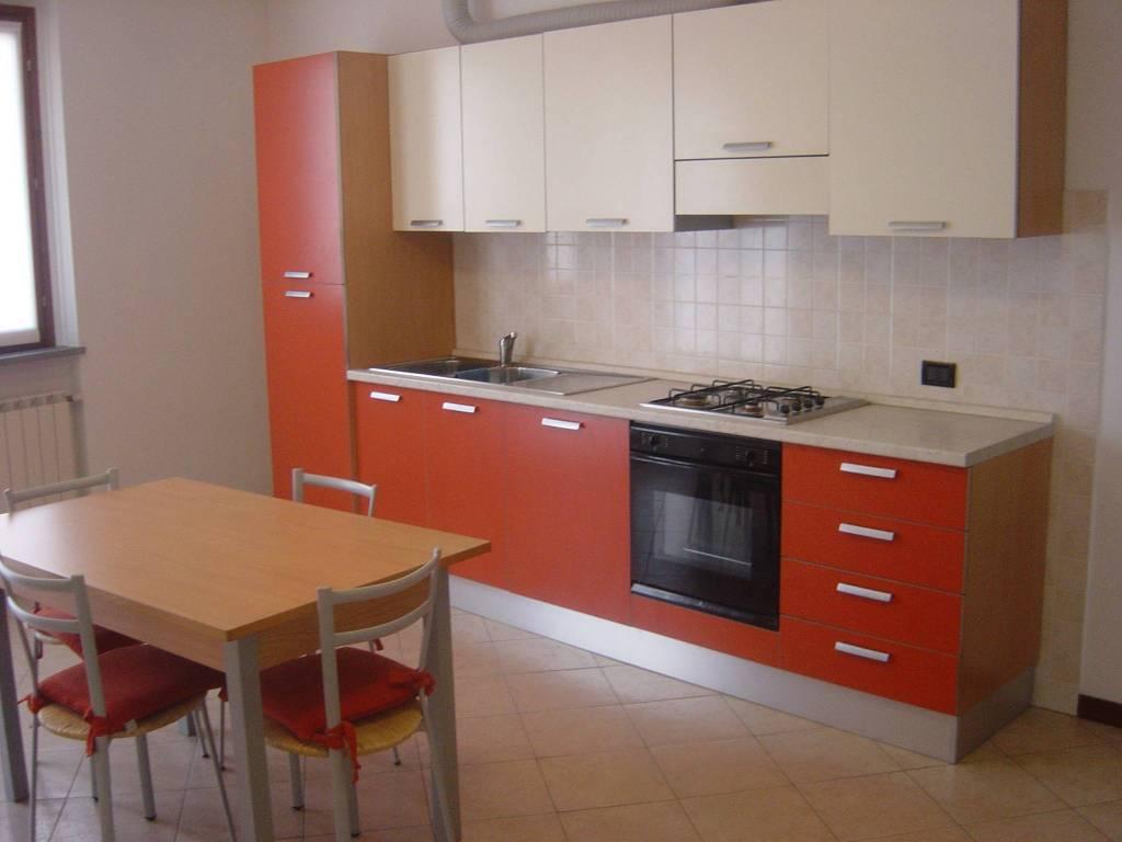 Appartamento in affitto a Seriate, 2 locali, prezzo € 450 | CambioCasa.it