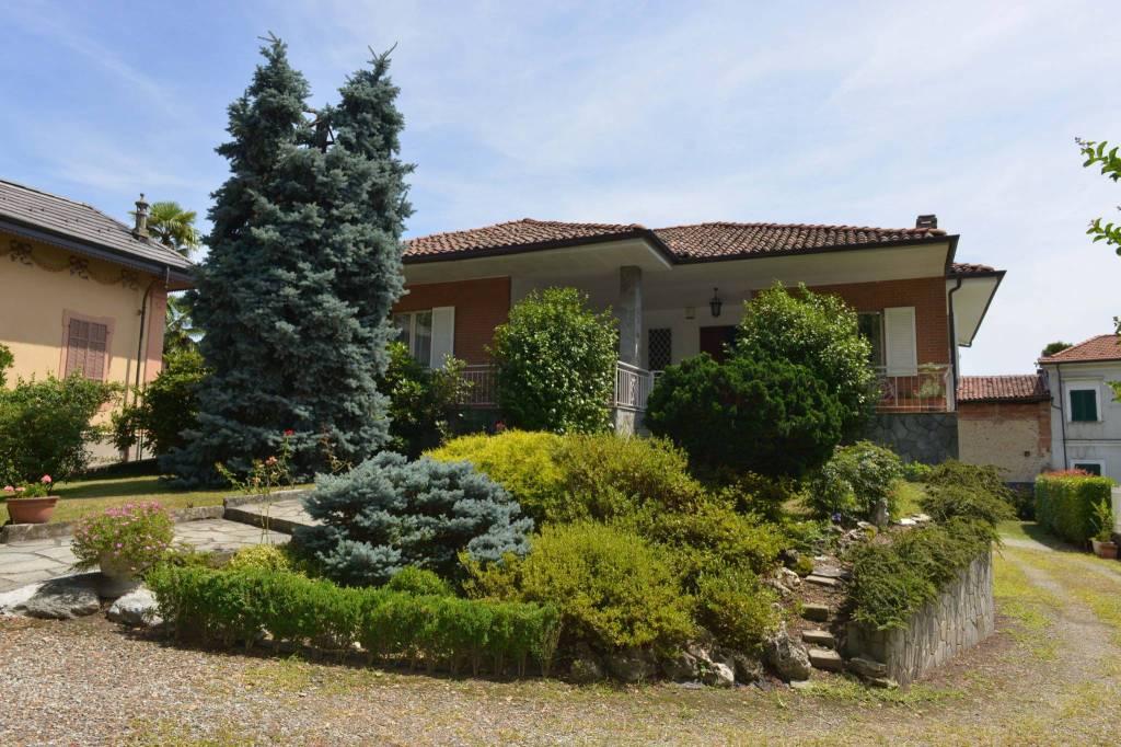 Foto 1 di Villa viale Maggiore Perotti 9, Ozegna