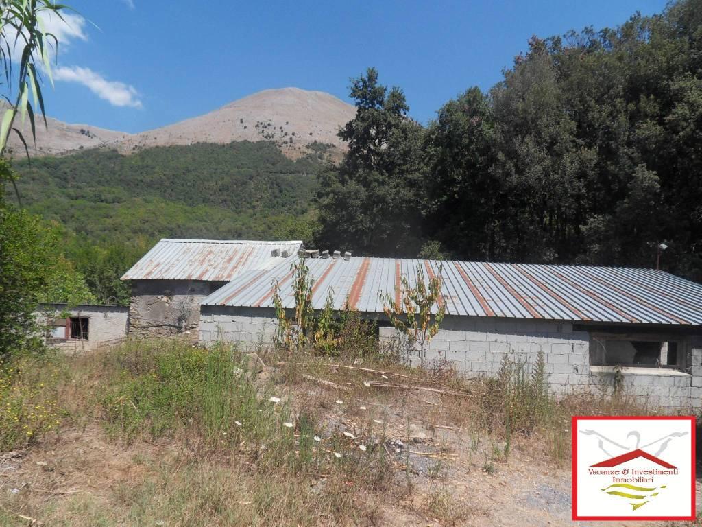 Rustico / Casale in vendita a Maratea, 4 locali, prezzo € 78.000 | CambioCasa.it