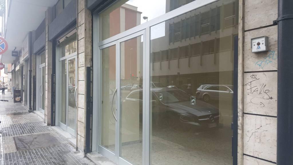 Negozio in affitto a Bari (BA)