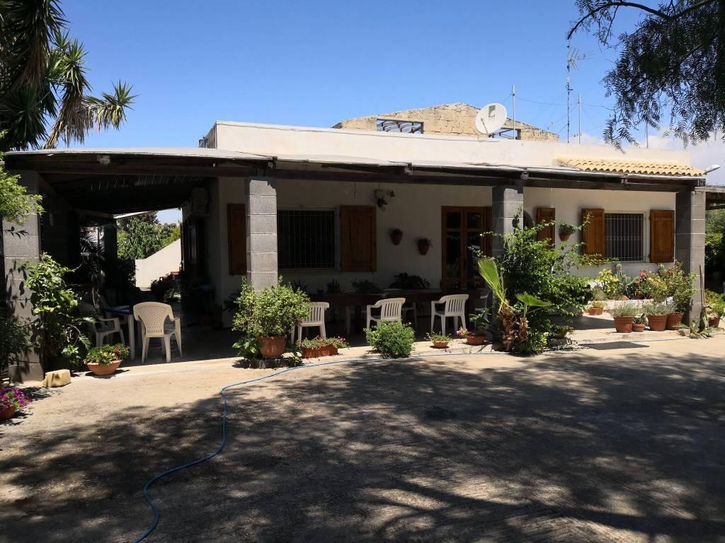 Villa in Vendita a Scicli: 5 locali, 460 mq