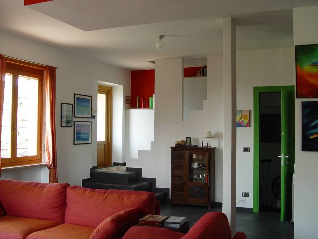 Foto 1 di Casa indipendente via Miravalle, Pavarolo