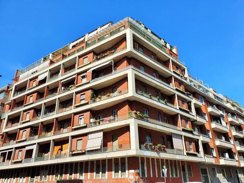 Foto 1 di Bilocale via Tripoli 138, Torino (zona Santa Rita)