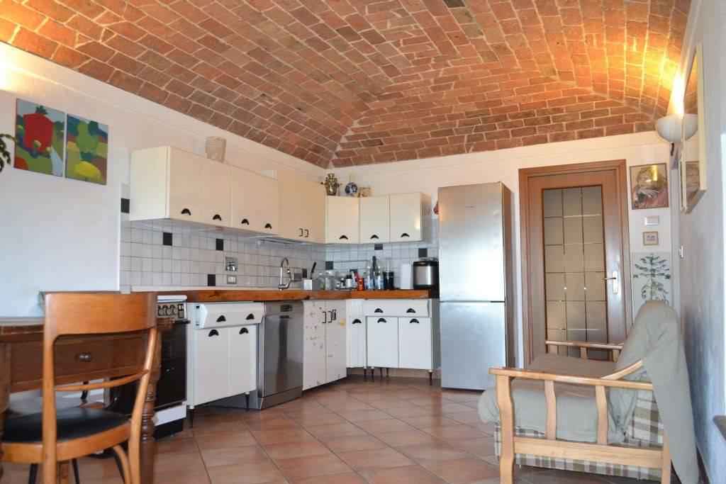 Rustico / Casale in vendita a Robella, 7 locali, prezzo € 110.000 | PortaleAgenzieImmobiliari.it