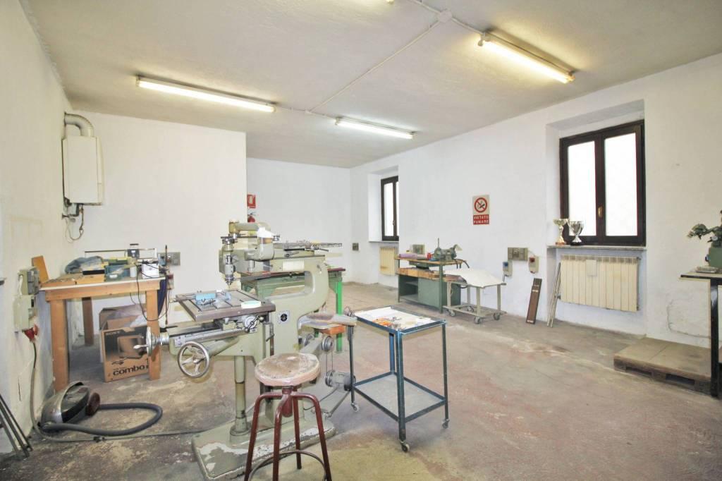 Laboratorio in vendita a Parabiago, 2 locali, prezzo € 49.000 | PortaleAgenzieImmobiliari.it