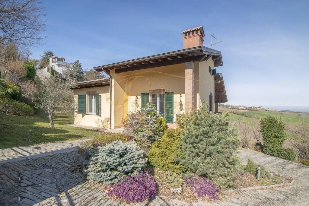 Villa in Vendita a Travo Centro: 4 locali, 328 mq